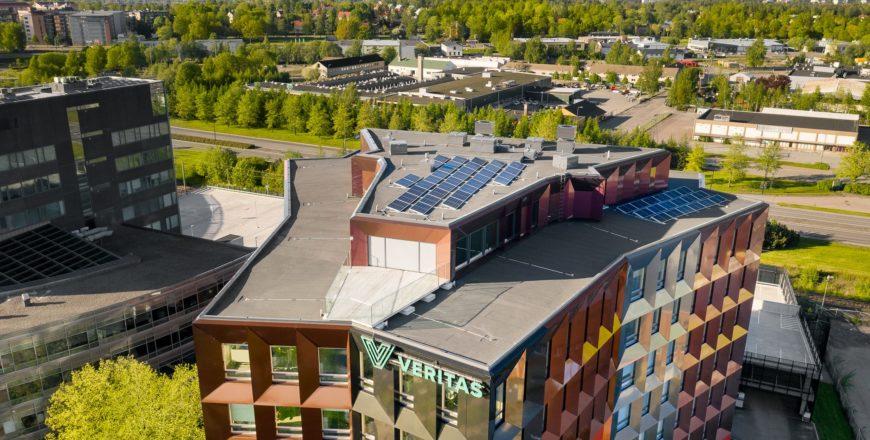 """solarpanels on the roof of Trivium Retoriikka."""